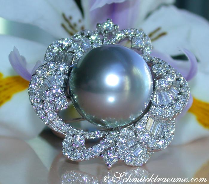 prachtvoller tahitiperle ring mit brillanten diamanten juwelier. Black Bedroom Furniture Sets. Home Design Ideas