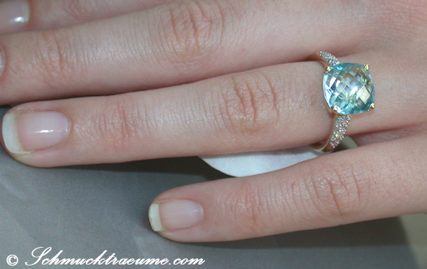 cute blue topaz diamond ring juwelier. Black Bedroom Furniture Sets. Home Design Ideas