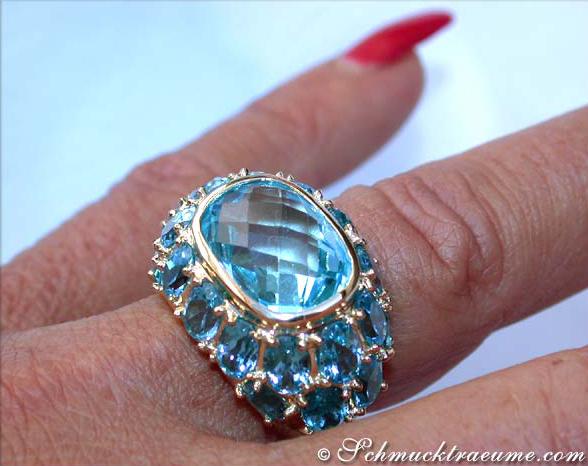 huge blue topaz ring juwelier. Black Bedroom Furniture Sets. Home Design Ideas